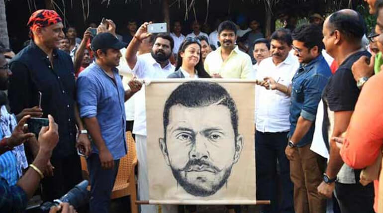 surya jyothika reveals kayam kulam kochunni movie first look