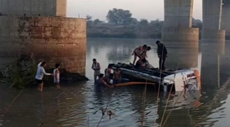 rajastan bus fall 12 people dead