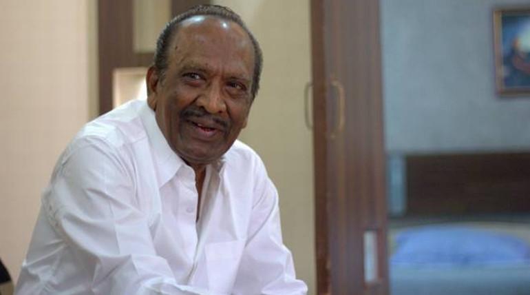 director mahendran hospitalized while pugazhendhi enum naan movie shooting