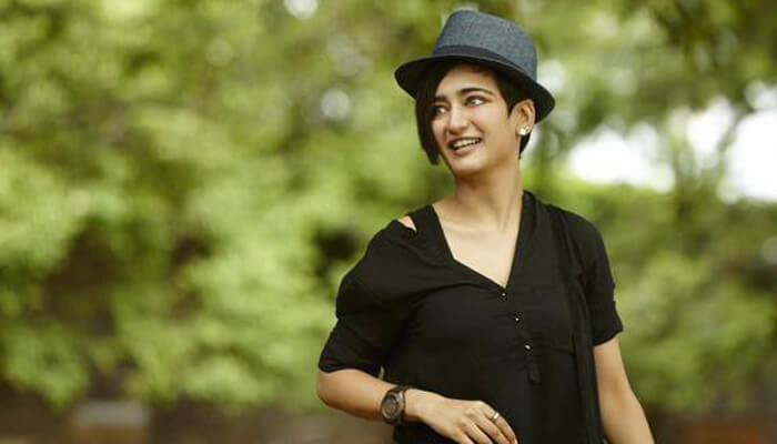 chiyaan 56 movie heroine akshara haasan
