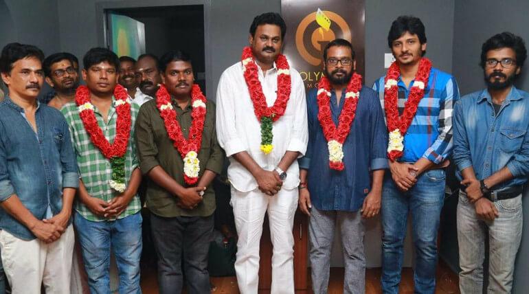 actor jiiva raju murugan gypsy movie poojai stills, image credit - gypsy team