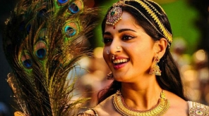 Actress Anushka acting as veterian actress Bhanumathi role in Nadigaiyar Thilagam movie