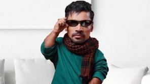 நடிகர் மற்றும் இயக்குனருமான கின்னஸ் பக்ரு தற்போது புதிய சாதனை ஒன்றை படைத்துள்ளார்.