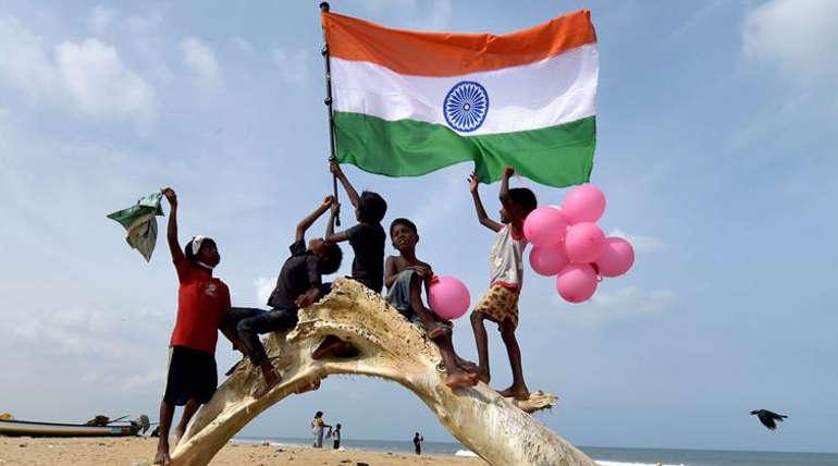 இந்த பட்டியலில் நமது இந்தியா முதல் 100 நாடுகளின் வரிசையில் கூட இடம்பிடிக்க வில்லை. இந்தியாவிற்கு 137வது இடம் மட்டுமே கிடைத்துள்ளது.